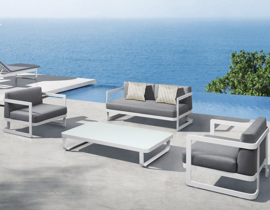 Modern outdoor furniture for Contemporary patio furniture