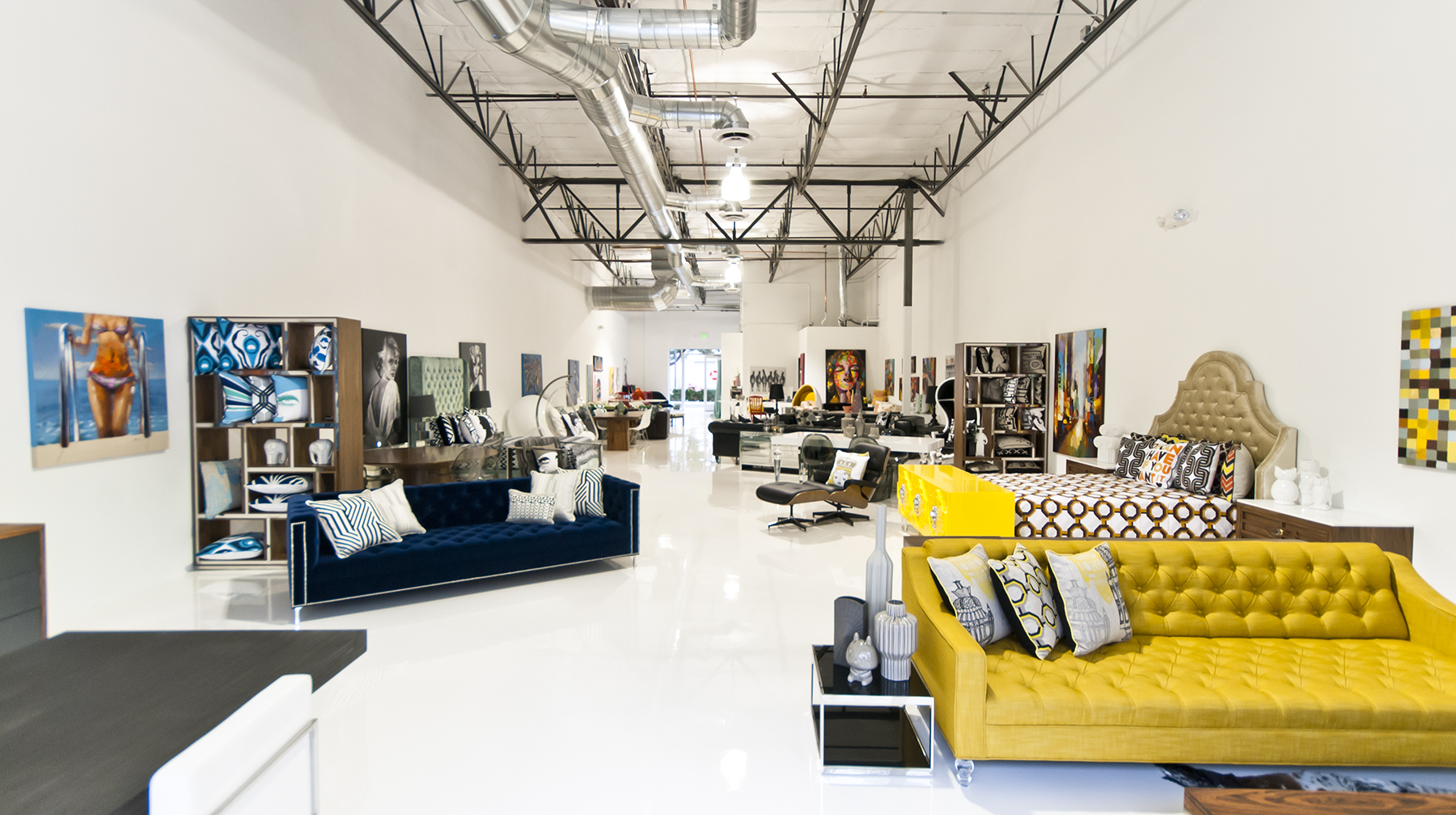 Image gallery modern furniture stores for M furniture warehouse chicago
