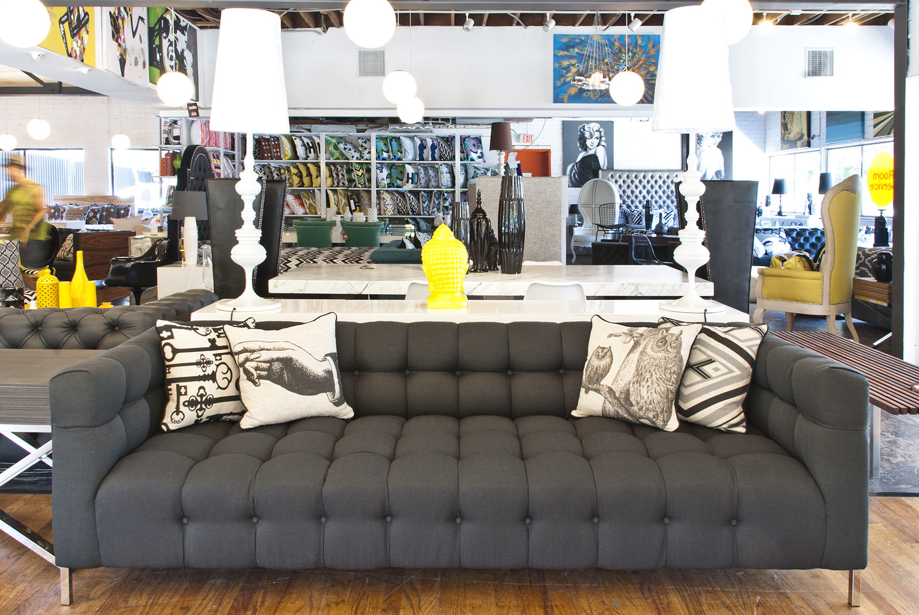 Image gallery modern furniture stores for Modern furniture retailers