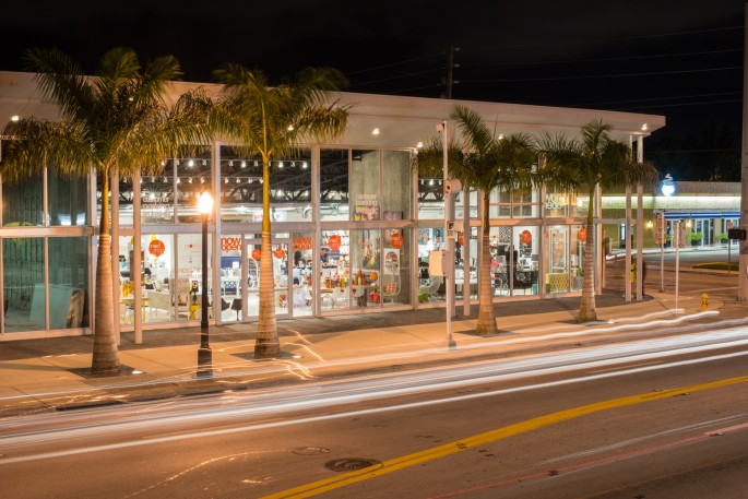 With Beautiful Palm Trees And The Fresh Ocean Breeze, A Lovely Walk To One  Of The Best Furniture Stores In Miami Would Be A Fun Adventure Any Day Of  The ...
